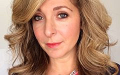 Tracy-Ann Oberman selfie (Credit: Wikimedia Commons, www.commons.wikimedia.org/w/index.php?curid=39348760)