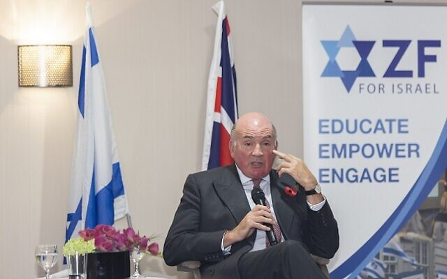 Lord Dannatt speaking as the guest of honour at the Zionist Federation's annual Balfour lecture, where he sounded a warning over the threat to Israel on its northern border. (Credit: Steve Winston)