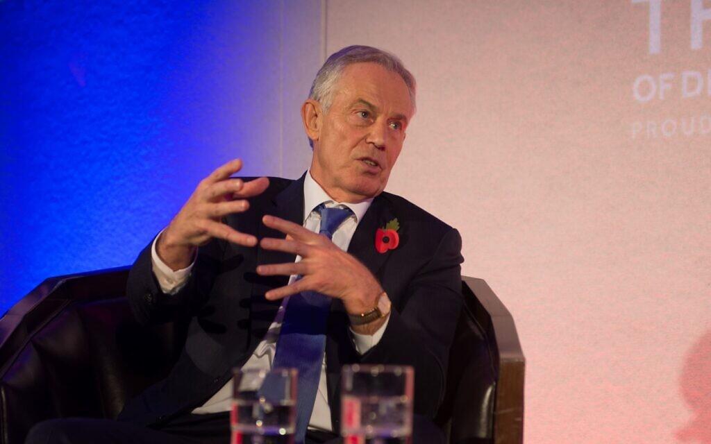Tony Blair speaking at the Board of Deputies dinner, in conversation with Natasha Kaplinsky (Credit: Sam Pearce)