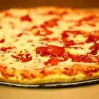 Pepperoni pizza (Credit: D Sharon Pruitt, Wikimedia Commons)