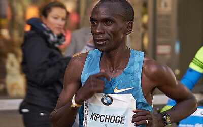 Eliud Kipchoge (Wikipedia/Author: Denis Barthel/Creative Commons Attribution-Share Alike 4.0 International (https://creativecommons.org/licenses/by-sa/4.0/deed.en))