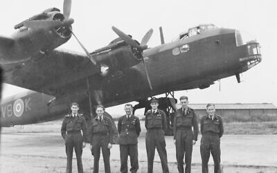 Halsey Roscorla  (third right, wearing cap) with his RAF crew