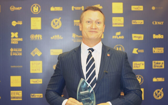 Gareth Morgan with his award at the No2H8 Awards