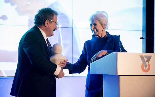 Lord Winston receiving the Technion UK Churchill award from Lois Peltz, vice president of Technion UK, (credit: Adrian Korsner)
