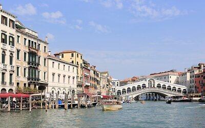 Canal Grande and Rialto Bridge, Venice. (Wikipedia/Martin Falbisoner/https://creativecommons.org/licenses/by-sa/4.0/legalcode )