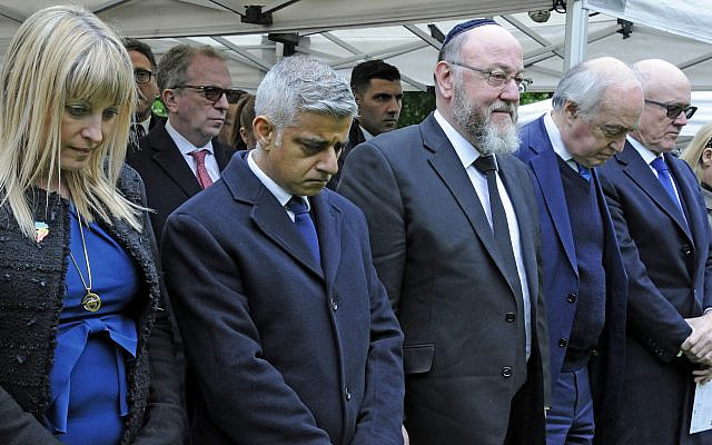Sadiq Khan, the mayor of London, attends the 2019 Yom Hashoah event alongside Chief Rabbi Mirvis and Board president Marie van der Zyl. (Photo: John Rifkin via Jewish News)