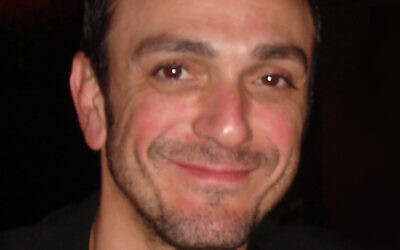 Hank Azaria (Wikipedia/nick aleck at https://www.flickr.com/photos/nickslastresort/)
