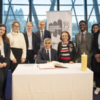 Mayor of London and Shoah survivor Lily Ebert, with schoolchildren who read the Holocaust Memorial Day Statement of Commitment.