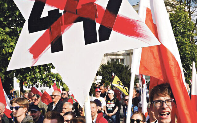 Polish people rally against restitution