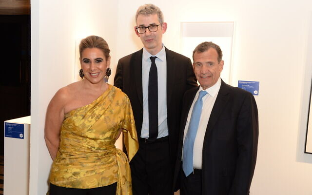 Pictured at the gala are Bfami co-chairs Pamela Crystal and Poju Zabludowicz with guest of honour Edmund de Waal