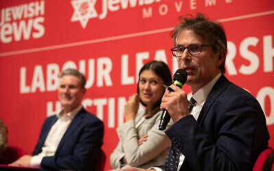 Robert Peston alongside Labour leadership hopefuls at the community's hustings hosted by JLM and partnered with Jewish News. (Marc Morris Photography)