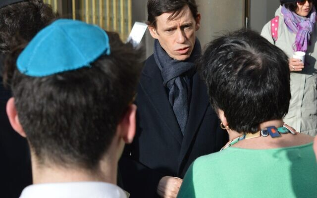 Rory Stewart speaking at JW3, after moving the conversation outside