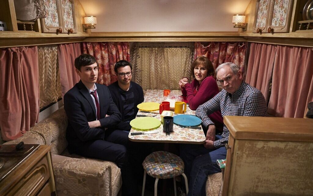 Friday Night Dinner season 6, episode 1 (Credit: Ian Johnson)