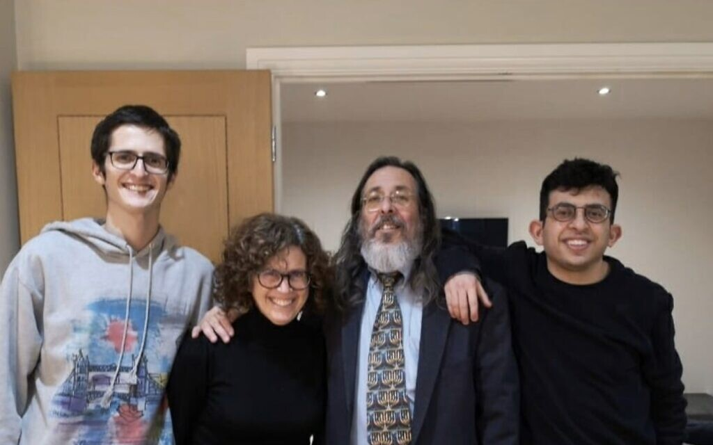 Rabbi Neil Kraft with his family. Picture courtesy of Elie Kraft's social media.