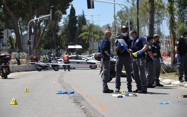 Crime scene of the alleged terror stabbing  (Picture from Israeli Police's twitter)