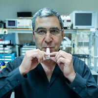 Prof. Gabby Sarusi is develpoing a One-minute Coronavirus Breath Test