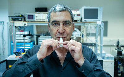 Prof. Gabby Sarusi is develpoing a One-minute Coronavirus Breath Test