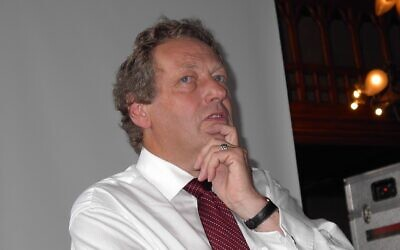 Professor John Ashton in 2005 (Credit: Rathfelder - Own work, www.commons.wikimedia.org/w/index.php?curid=38760453)