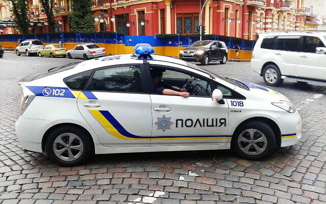 Ukrainian police car (Wikipedia/Author	Qypchak/ (CC BY-SA 4.0) https://creativecommons.org/licenses/by-sa/4.0/legalcode)