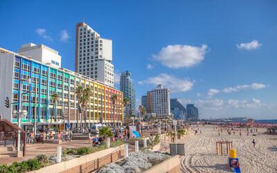 Tel Aviv Beach (Credit: Dana Friedlander for the Israeli Ministry of Tourism.)