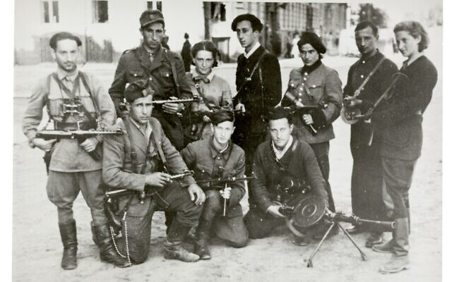 Jewish Lithuanian partisans' group 'The Avengers' on their return to Vilna at the time of the liberation of the city by the Red Army, July 1944. Wiener Holocaust Library Collections