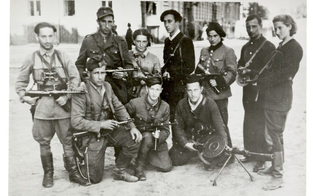 'The Avengers' return to Vilna at the liberation of the city by the Red Army, July 1944