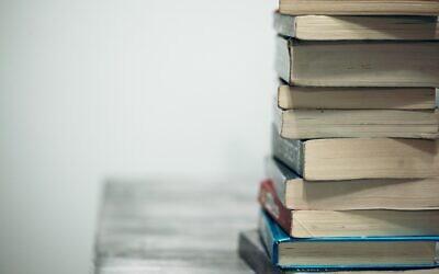 Books (Photo by Sharon McCutcheon on Unsplash)