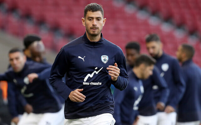 Israel's Nir Bitton warming up before the UEFA Nations League Group F match at Hampden Park, Glasgow. (Andrew Milligan - PA Wire/PA Images )