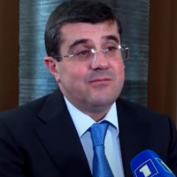 Arayik Harutyunyan, President of Artsakh (Wikipedia/ Source	https://www.youtube.com/watch?v=KLpgNiaiPv8. Author	Karabakh TV/  Attribution 3.0 Unported (CC BY 3.0))