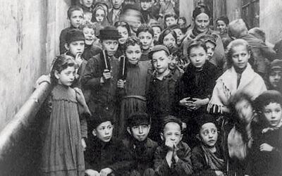 Jewish children pictured in Warsaw in 1897