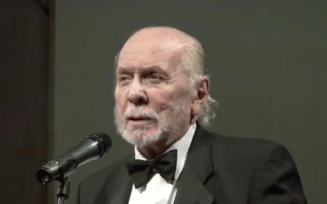 Herbert Kretzmer (Screenshot from YouTube. Credit: https://youtu.be/ySWYDsvDbmo)