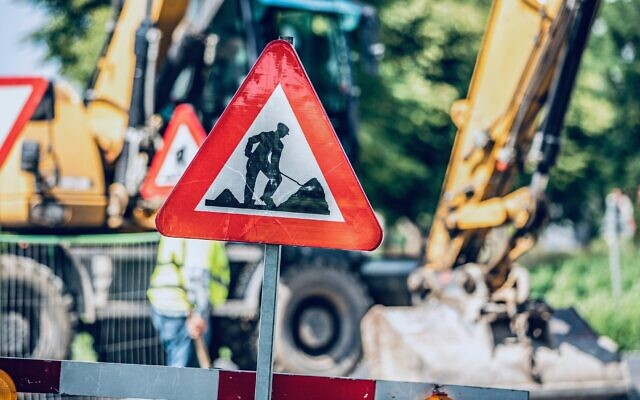 Roadworks (Photo by Miguel Teirlinck on Unsplash)