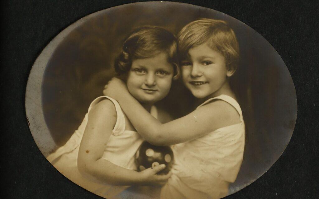 Hannah and Giora Senesh (Szenes), 1924