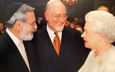 Rabbi Lord Sacks with Henry Grunwald and Her Majesty the Queen