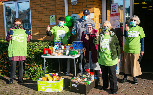 Ilford Federation during its Mitzvah Day collectathon!