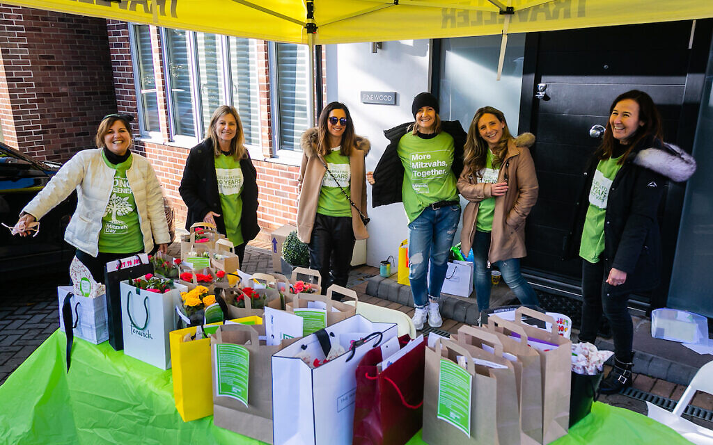 Mill Hill United Synagogue collected items for doorstop drops to isolated people 1