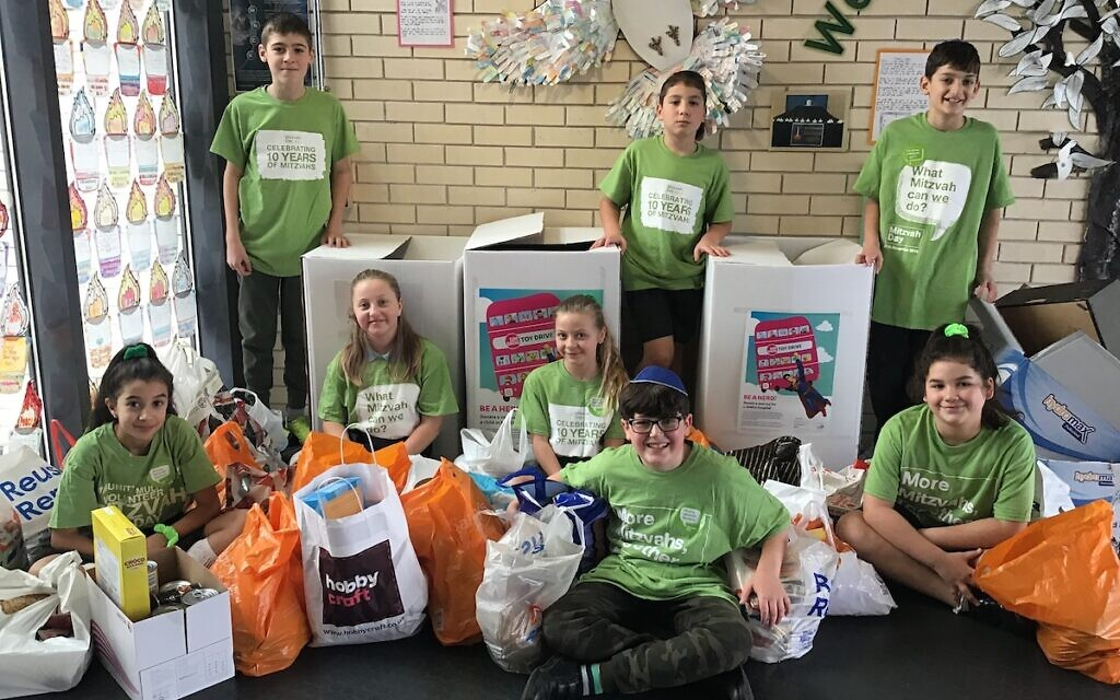 Wohl Ilford Jewish Primary School students collected for Camp Simcha and Redbridge Food Bank