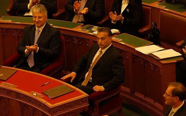 Zsolt Semjén (left) and PM Viktor Orbán (Wikipedia/ AuthorDodann )