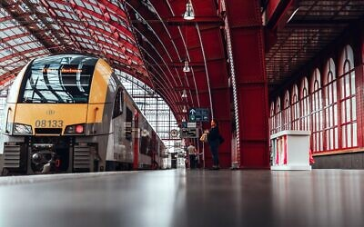 Train (Photo by Vitor Pinto on Unsplash)