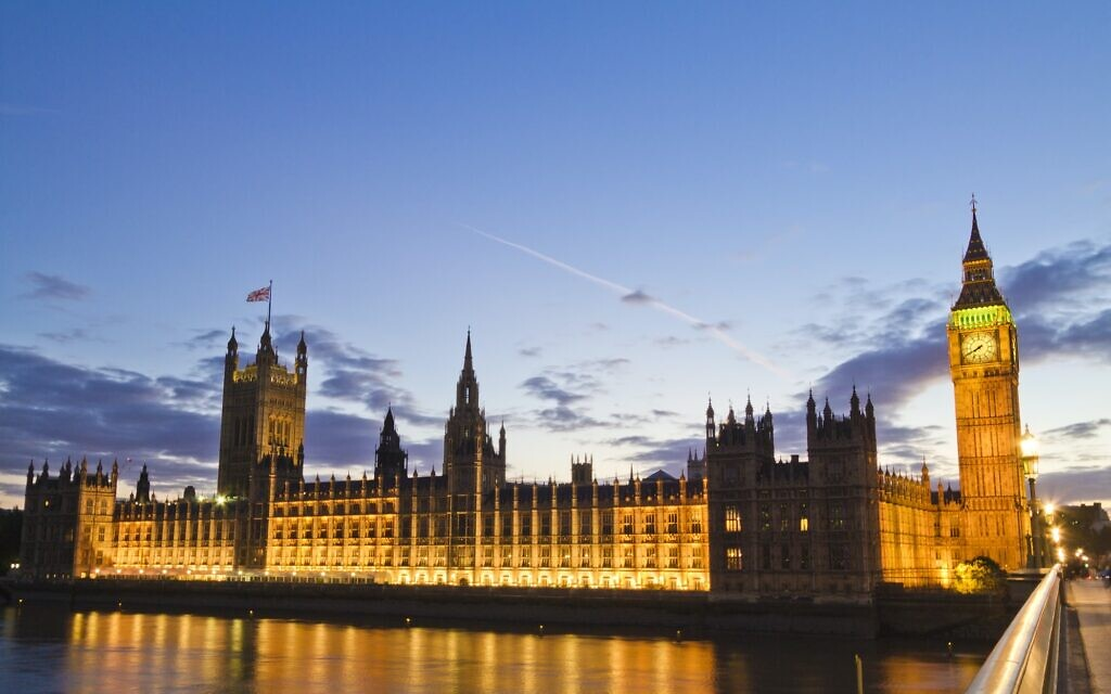 Houses of Parliament (Photo by Michael D Beckwith on Unsplash)