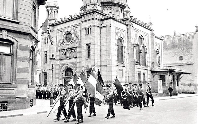 Nazi parade by a synagogue in Luxembourg