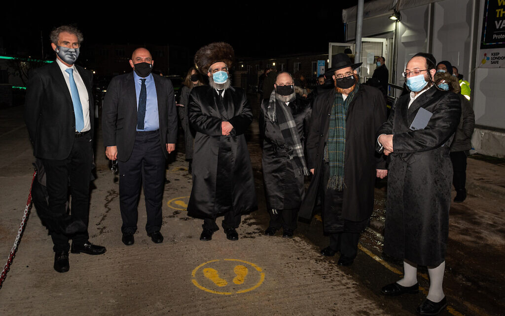 Nadhim Zahawi outside the vaccination centre