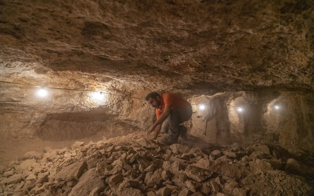 The excavation was conducted under challenging conditions. Photo Yaniv Berman Israel Antiquities Authority