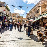 People shopping at Mahane Yehuda Jerusalem marke.