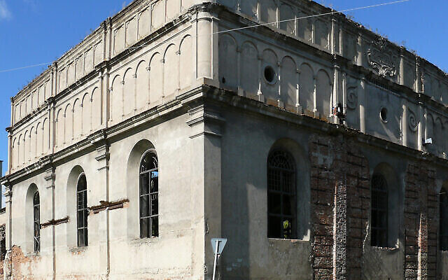 The Great Synagogue of Brody in Ukraine, pictured in 2012. (Wikimedia Commons via JTA)