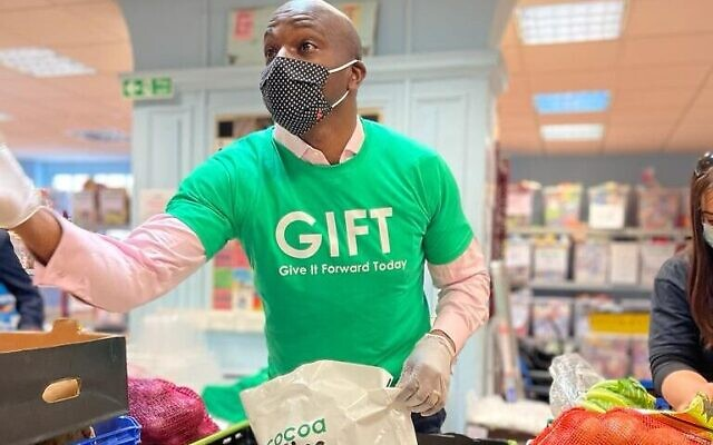 Shaun Bailey visiting Gift Charity in Hendon (Credit 8Original)