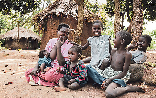Rabbi Eri Kaiduwa's wife and children in Namutumba District, Uganda
