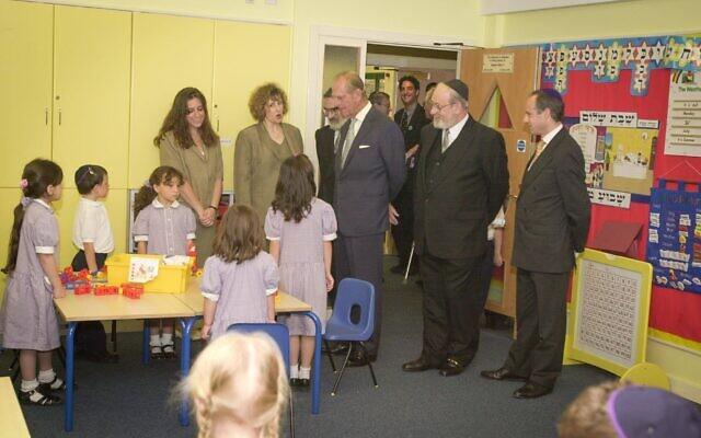 Prince Philip with Jonathan Arkush (right) at Hertsmere Jewish Primary (Credit: David Katz)