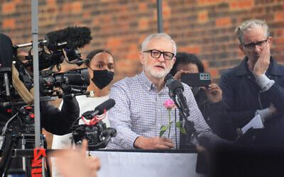 Friend of Hamas Jeremy Corbyn speaks at a event.