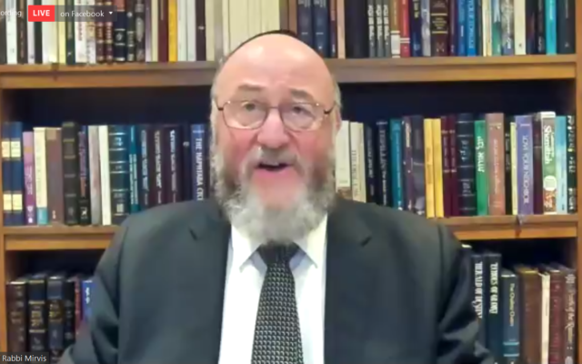 Chief Rabbi Mirvis during the ceremony